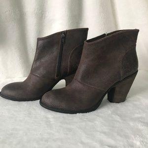 Jessica Simpson Shoes - Jessica Simpson Leather Heeled booties sz 10